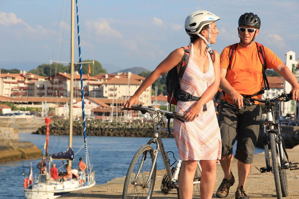 Le vélotourisme : la découverte du patrimoine à vélo