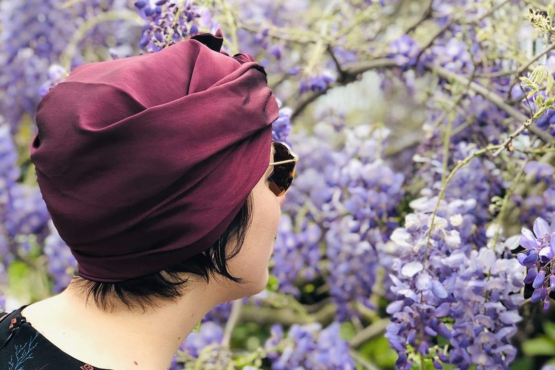 Indira de Paris a su trouver le concept idéal: rendre l'art du headwrappingaccessible à tous. Comment ? En créant le premier turban pour les nulles !
