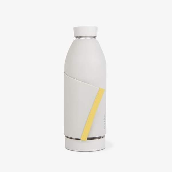 bouteille d'eau très innovante et avec un design moderne et spécifique