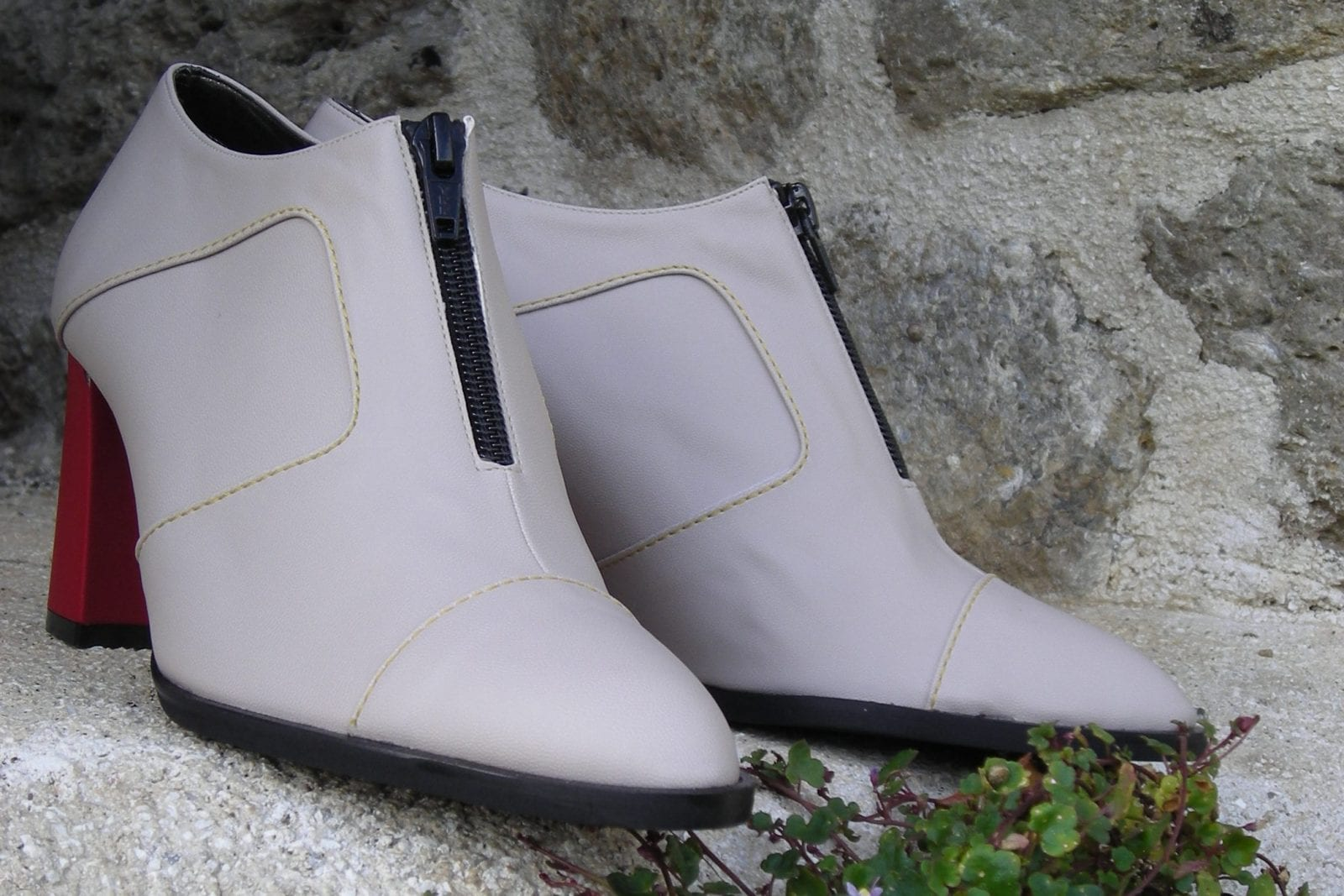 Chaussures vegan blanches style bottes