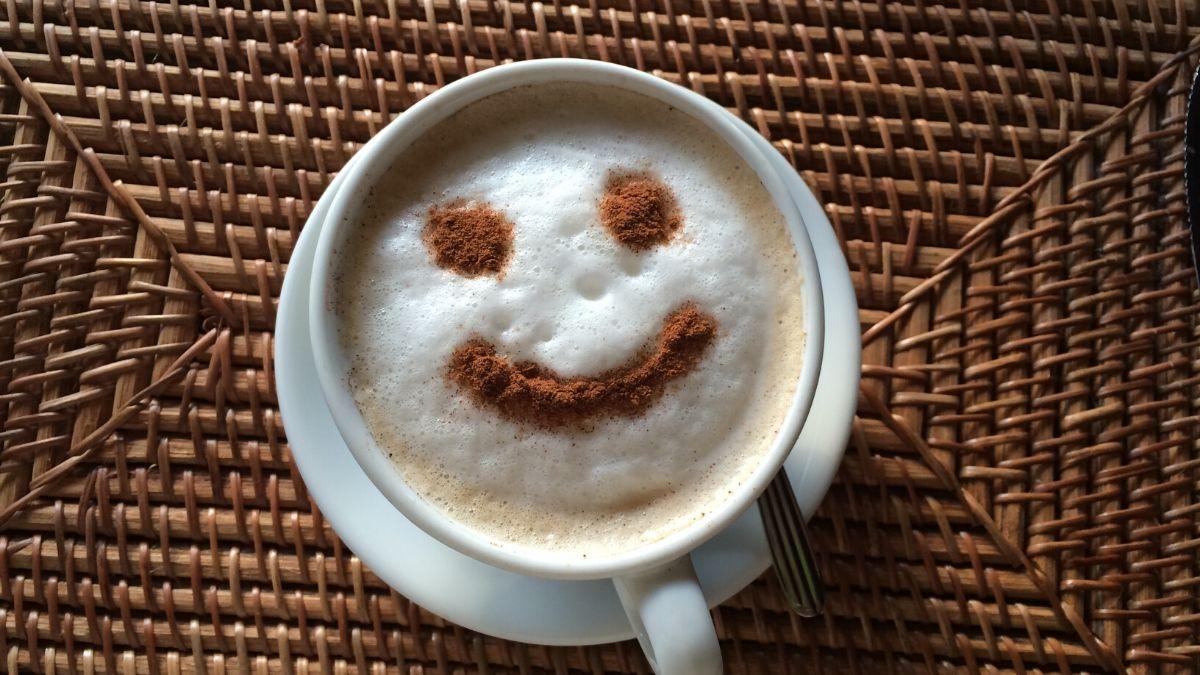 smile sur mousse de café