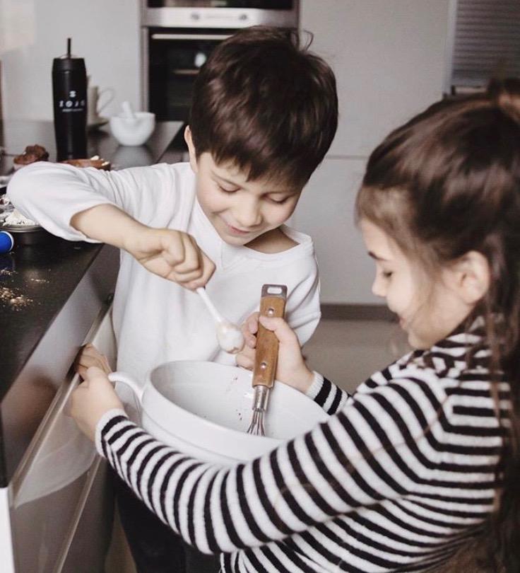 les enfants qui cuisine avec Zojoelixirs
