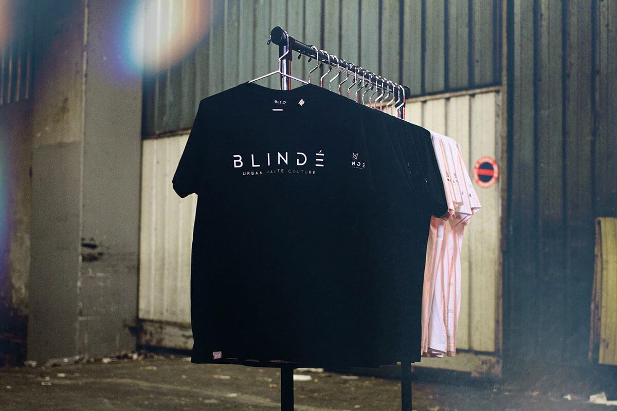 la-marque-de-luxe-BL1.D-et-ses-tee-shirts-ornés-dun-lingot-dor