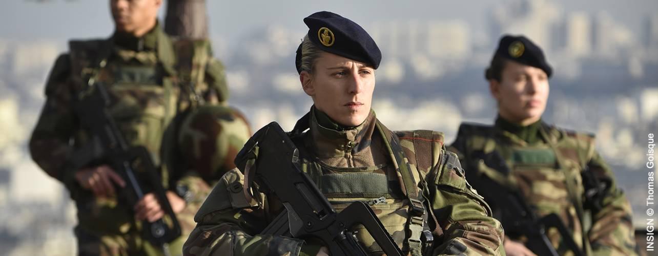 femmes miltaire à l'armée de terre