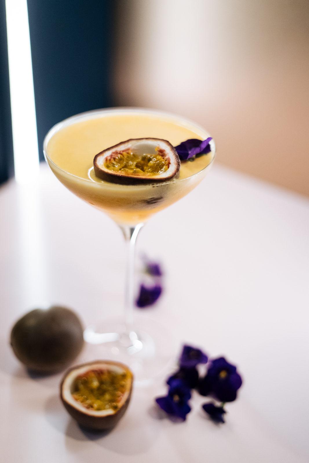 Cocktail fruit de la passion du Masha Paris