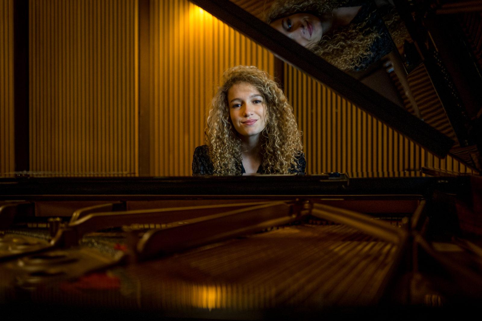 ECCO et son amour inconditionnel pour le piano, sur son nouveau morceau, Wurlitzer