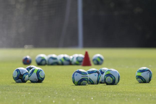 La peur d'un retour dans l'ombre pour le football féminin.
