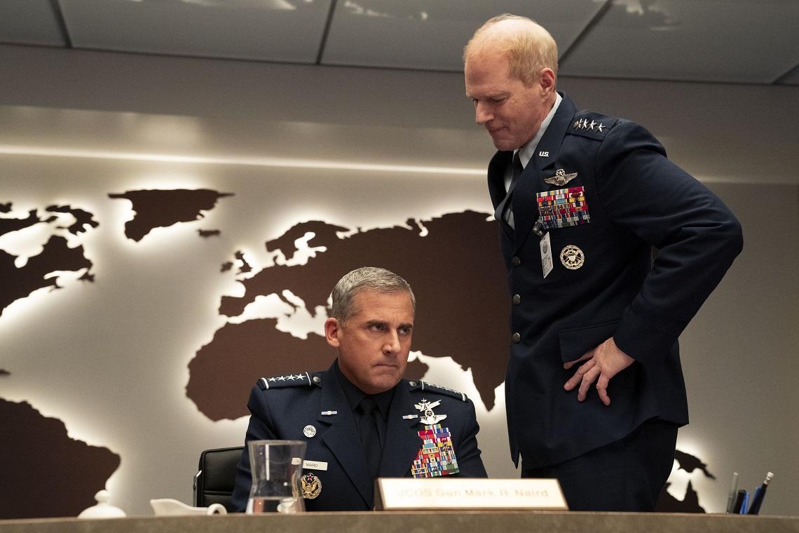 Image extraite de la série Netflix Space Force avec dans Steve Carell comme personnage principal.