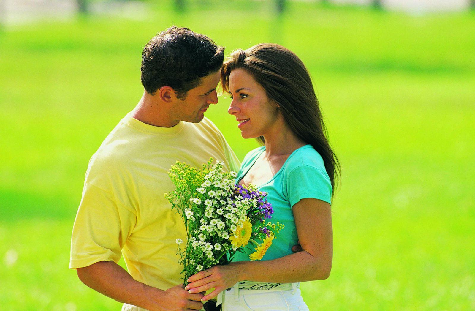 Couple ayant surmonté les tensions liées au confinement