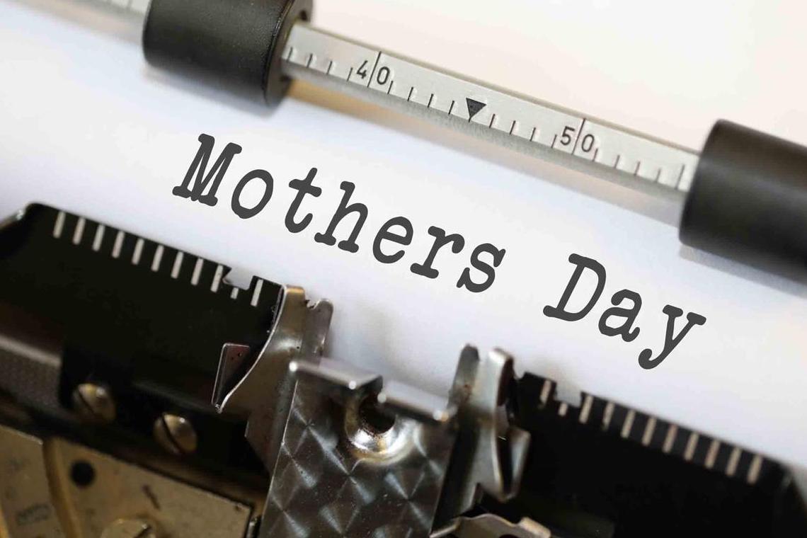 machine à écrire avec écrit Mothers day
