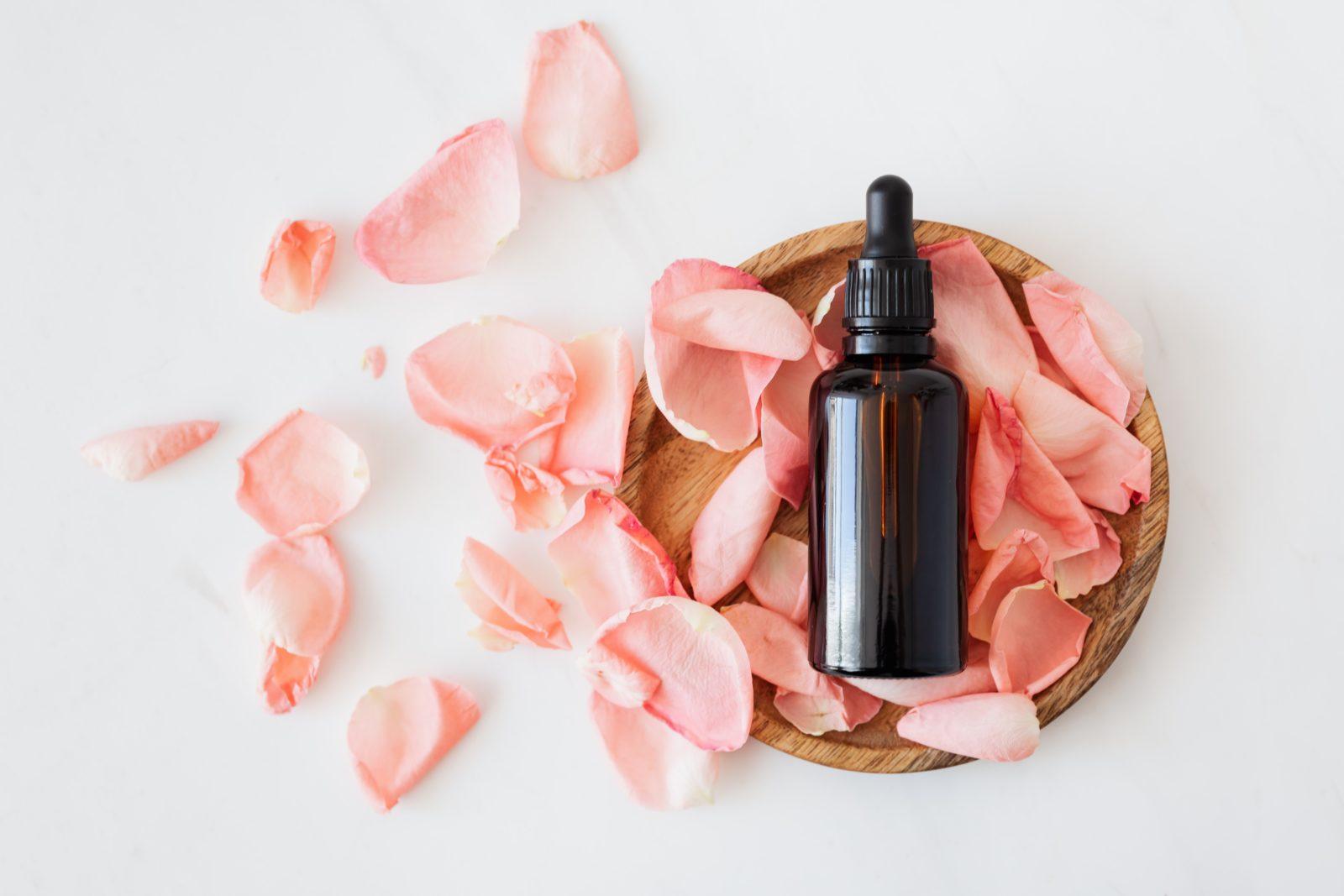 Huile végétale de rose musquée, hydratante et parfaite pour lutter contre les vergetures.