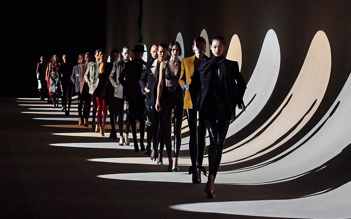 Le défilé de l'automne/hiver 2020/2021 par Anthony Vaccarello pour Yves Saint Laurent