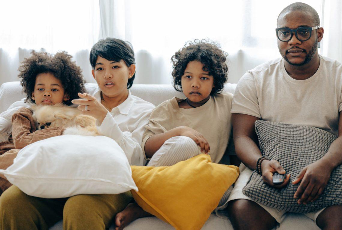 Télé-réalité vs séries : des distractions qui se ressemblent