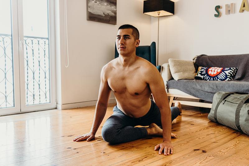 5 idées d'étirements à faire à la maison pour se détendre