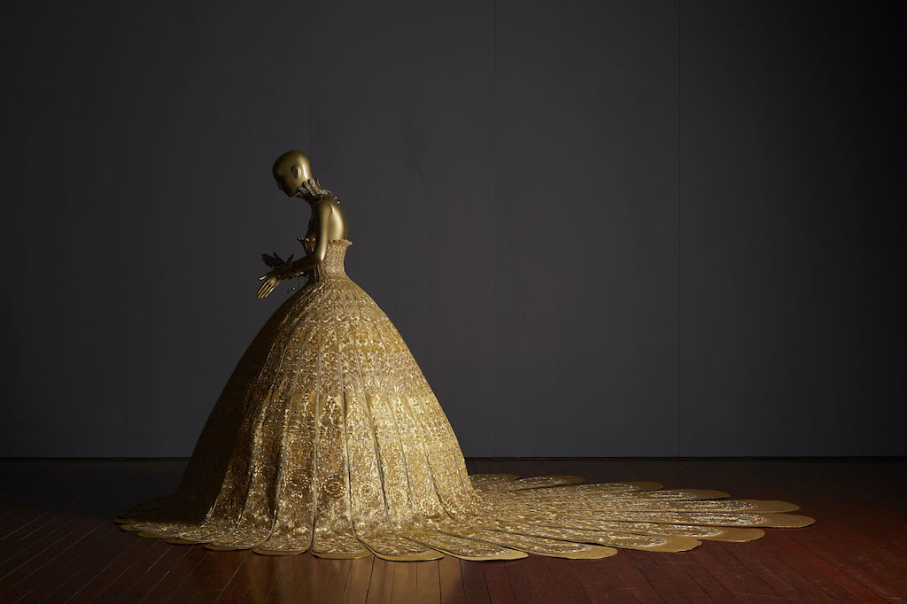 "Guo Pei, Magnificient Gold, collection ""Samsara"" Pékin, 2006 © MAD, Paris"