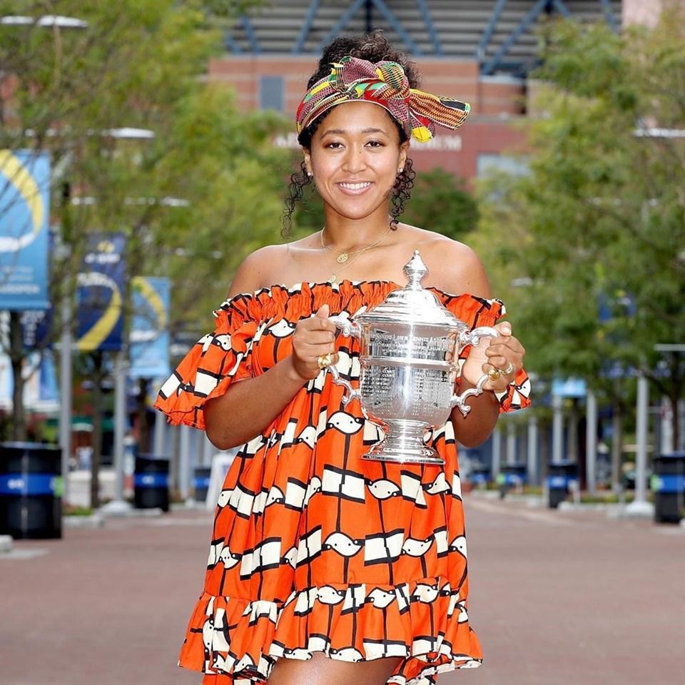 Noami Osaka : une tenniswoman talentueuse et engagée.