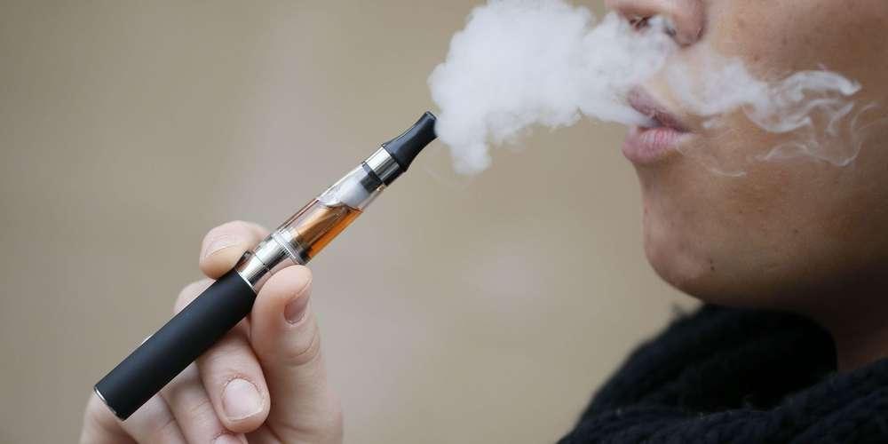 https://resize2.prod.docfr.doc-media.fr/rcrop/650,380,center-middle/img/var/doctissimo/storage/images/fr/www/sante/arreter-de-fumer/cigarette-electronique/cigarettes-electroniques/299407-3-fre-FR/cigarettes-electroniques.jpg https://images.sudouest.fr/2019/11/15/5dce6ec766a4bdd82ccfd4b7/widescreen/1000x500/en-juillet-l-organisation.jpg