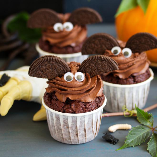 Halloween : activités à faire avec votre enfant. Création du plus beau chaudron en version cupcake.
