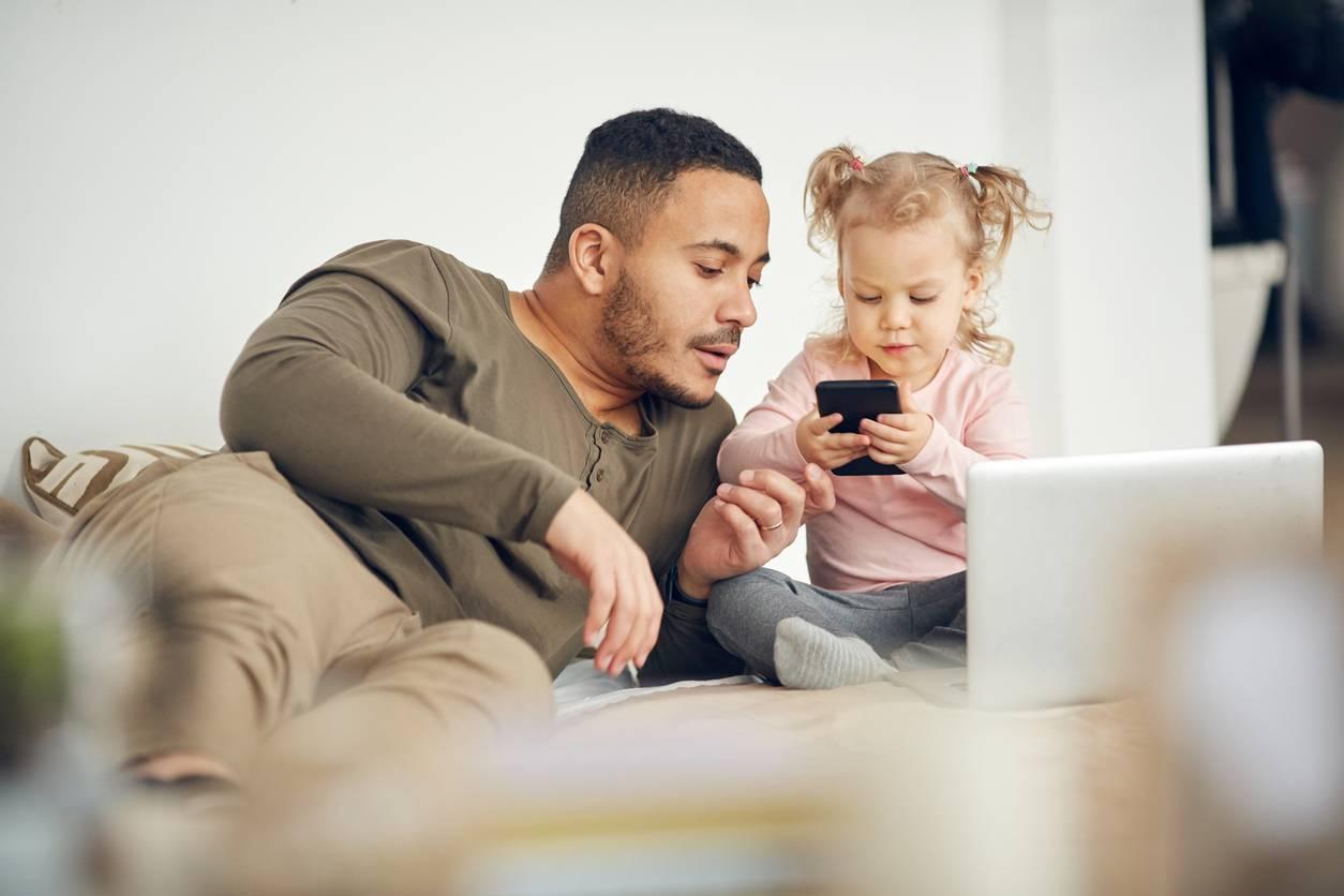 Bénéficier du chômage partiel pour garder vos enfants ?