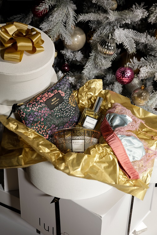 Cadeaux et décorations de Noël de chez Lulli.