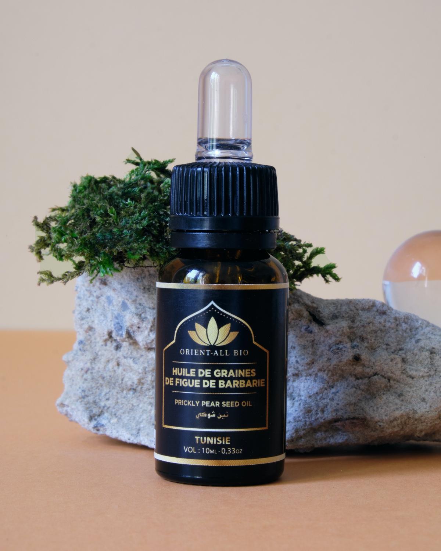 L'huile de pépins de figues de Barbarie : une huile végétale rare et précieuse particulièrement concentrée en acides gras et vitamine E.