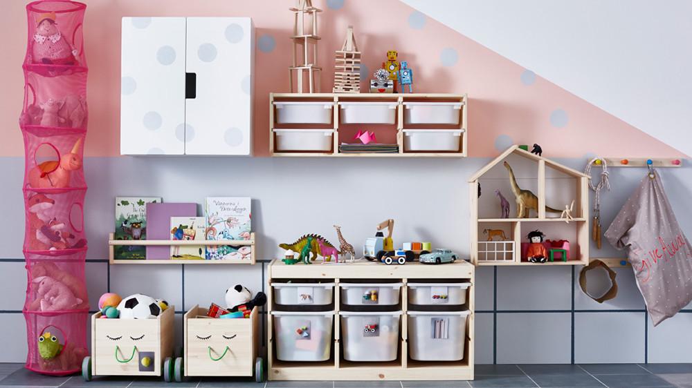 Idée de rangement pour la chambre de bébé.