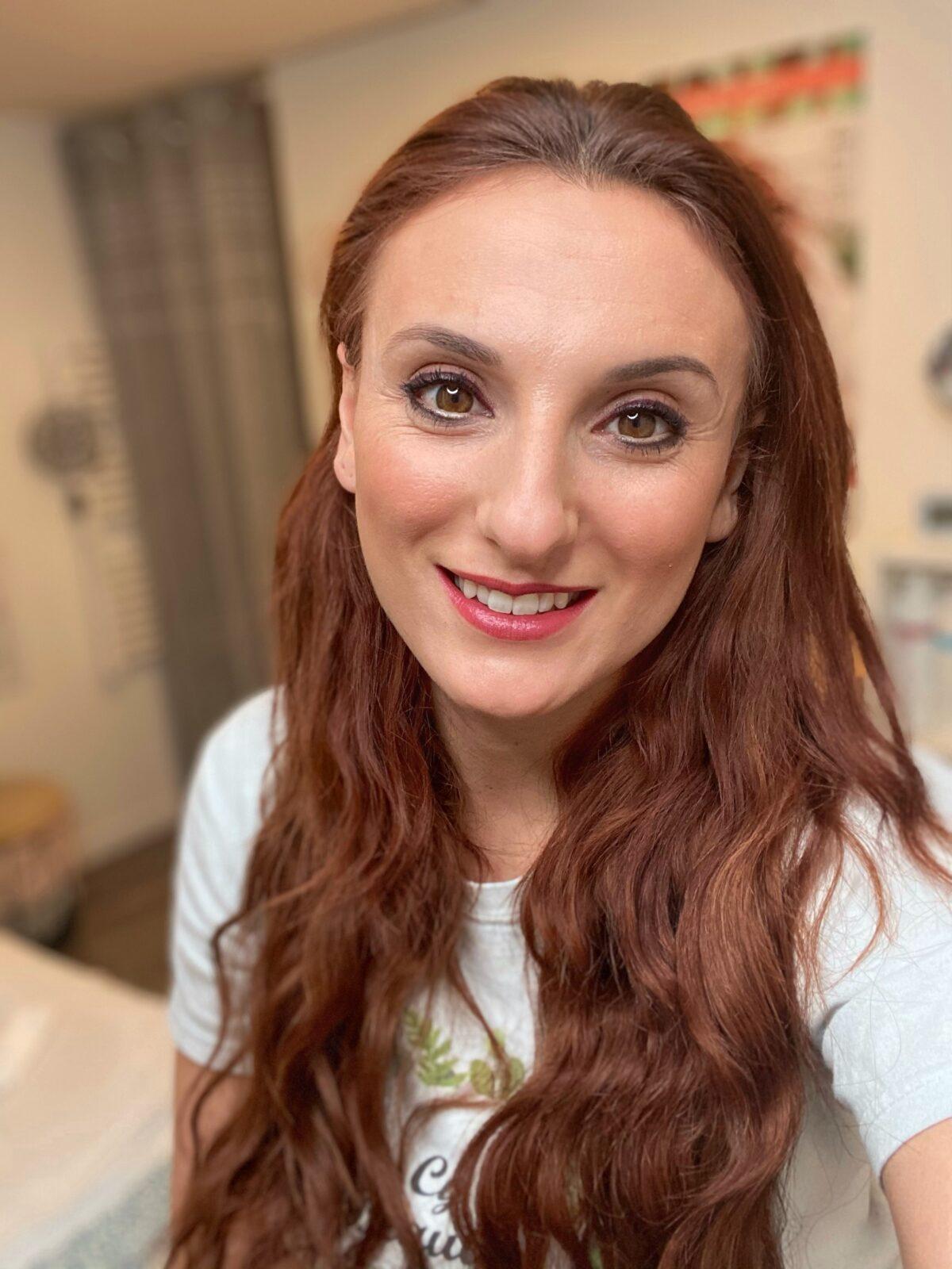 Cynthia - gérante du salon Cy beauty - pratique le drainage lymphatique méthode Renata França