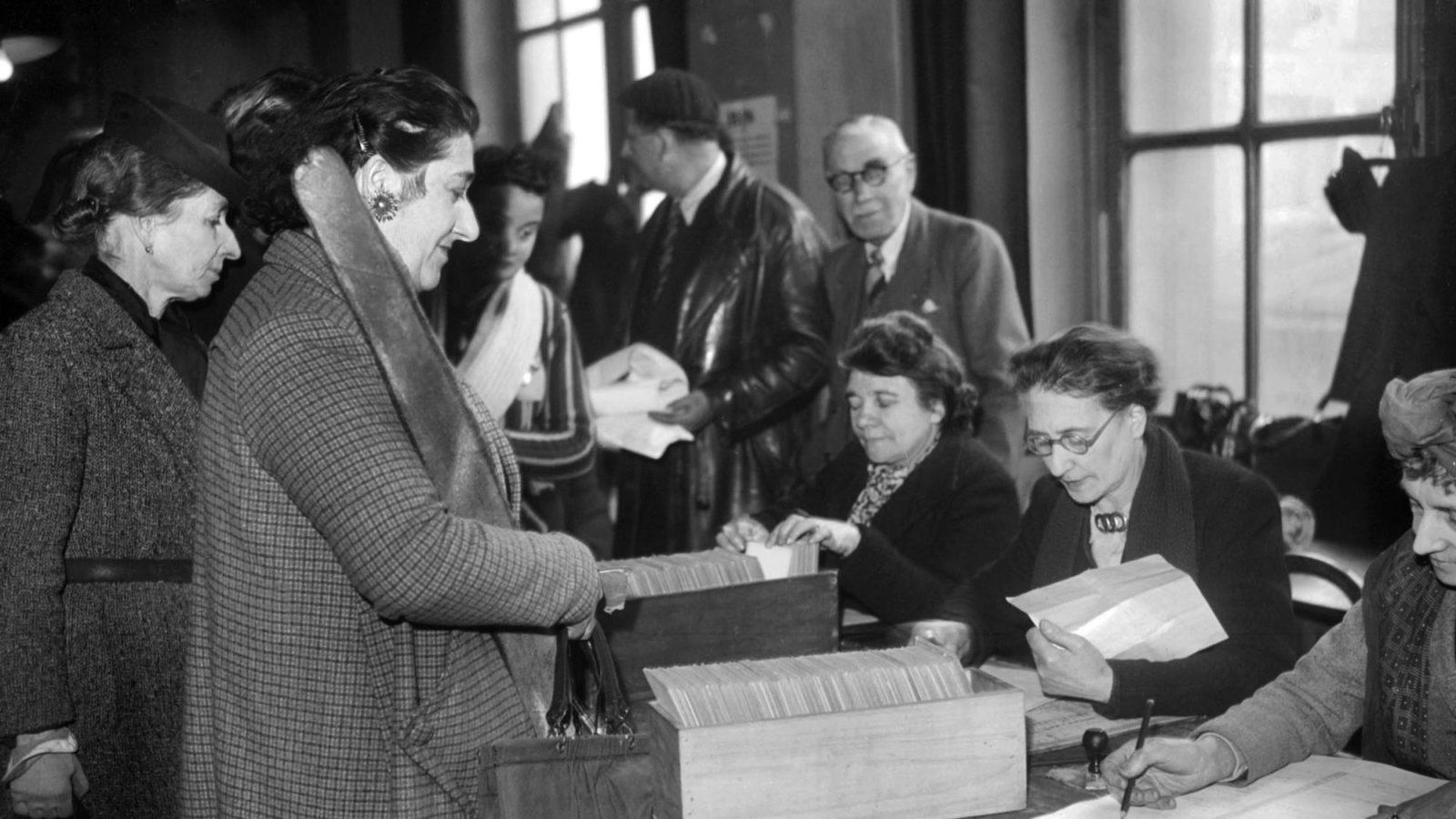 Souvenons-nous : le 21 avril 1994, le droit de vote est accordé aux Françaises