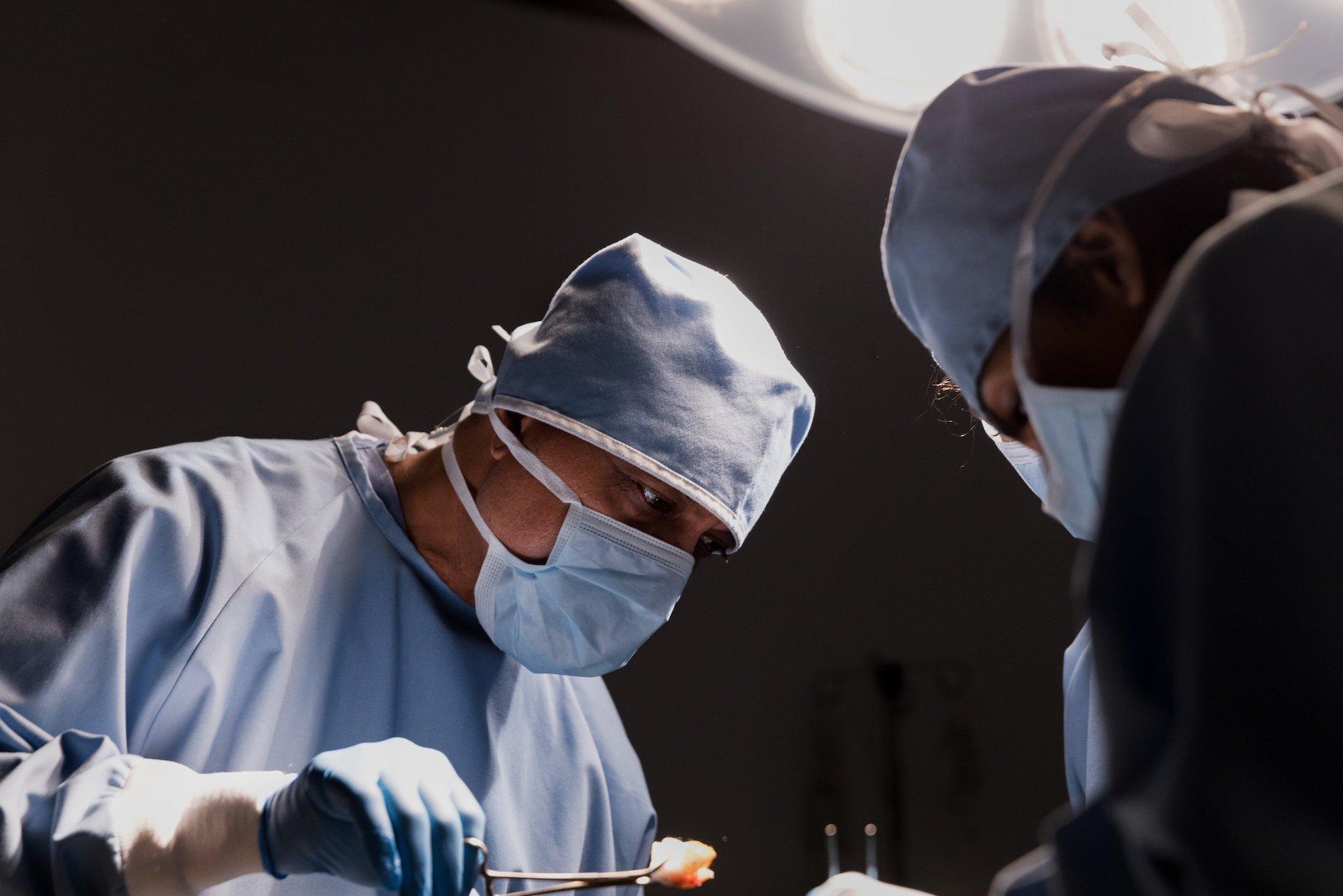 Augmentation et réduction mammaire, l'essentiel derrière le superficiel