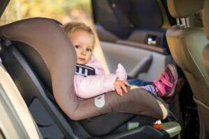 Comment transporter un enfant en voiture ?