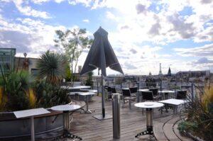 43 rooftop : Les cinq meilleurs rooftops parisiens pour boire un verre cet été