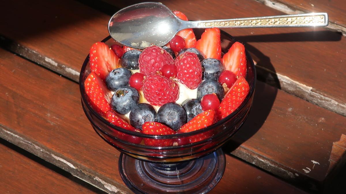 Recette healthy : le yaourt grec aux fruits rouges - Ô Magazine