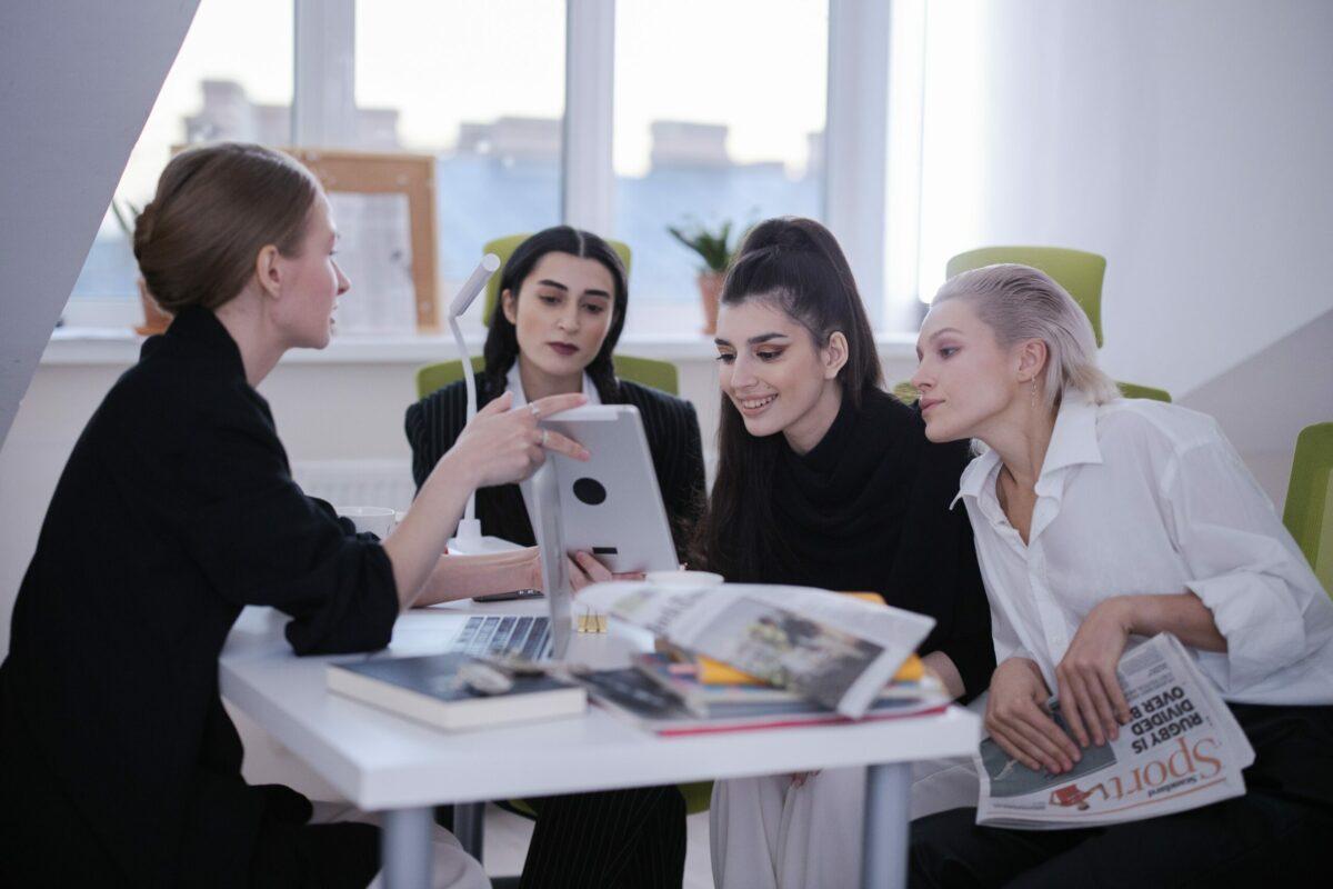 Comment devenir journaliste de mode ?