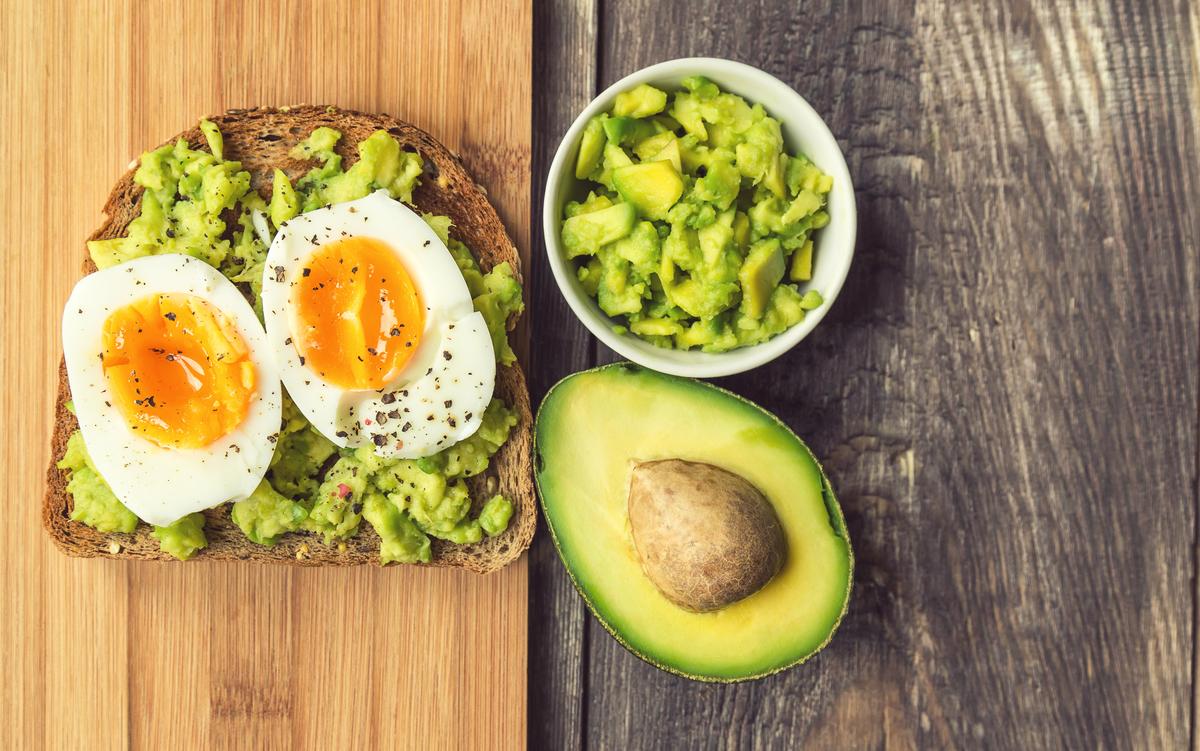 Recette healthy : tartines à l'avocat et œuf mollet - Ô Magazine