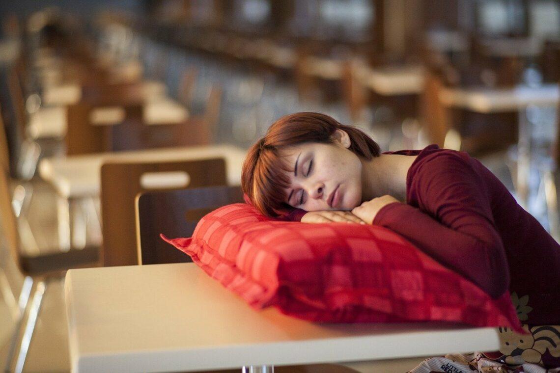 Une femme très fatiguée